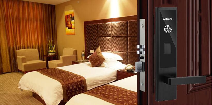 cua khoa hl8502 - Khóa thẻ từ khách sạn HL8520