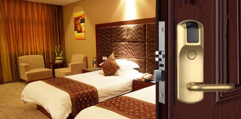 hl 8207 vang - Khóa thẻ từ khách sạn HL8207