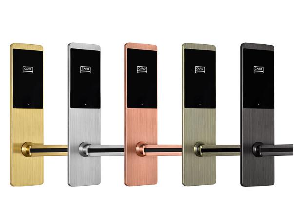 HL88255 - Có nên sử dụng khóa cửa từ thông minh cho khách sạn?