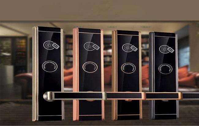 hl8332j 1 - Những lưu ý khi lắp đặt khóa thẻ từ khách sạn?